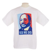 White T shirt with blue and red printed portrait of John Garang de Mabior with the slogan 'Yes We Did',
