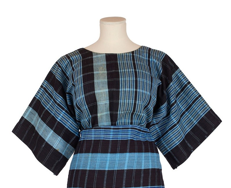 blue striped cotton buba blouse made of wide strips of handwoven cloth
